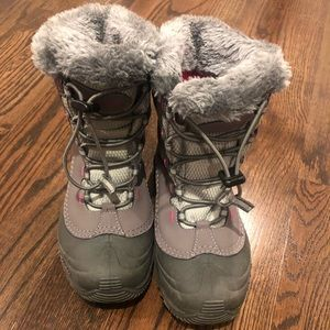 Columbia winter boots size 5 girl gray